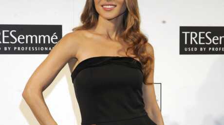 Elsa Pataky très sexy pour la lutte contre le cancer du sein