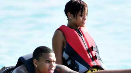 Rihanna aimerait reprendre contact avec Chris Brown