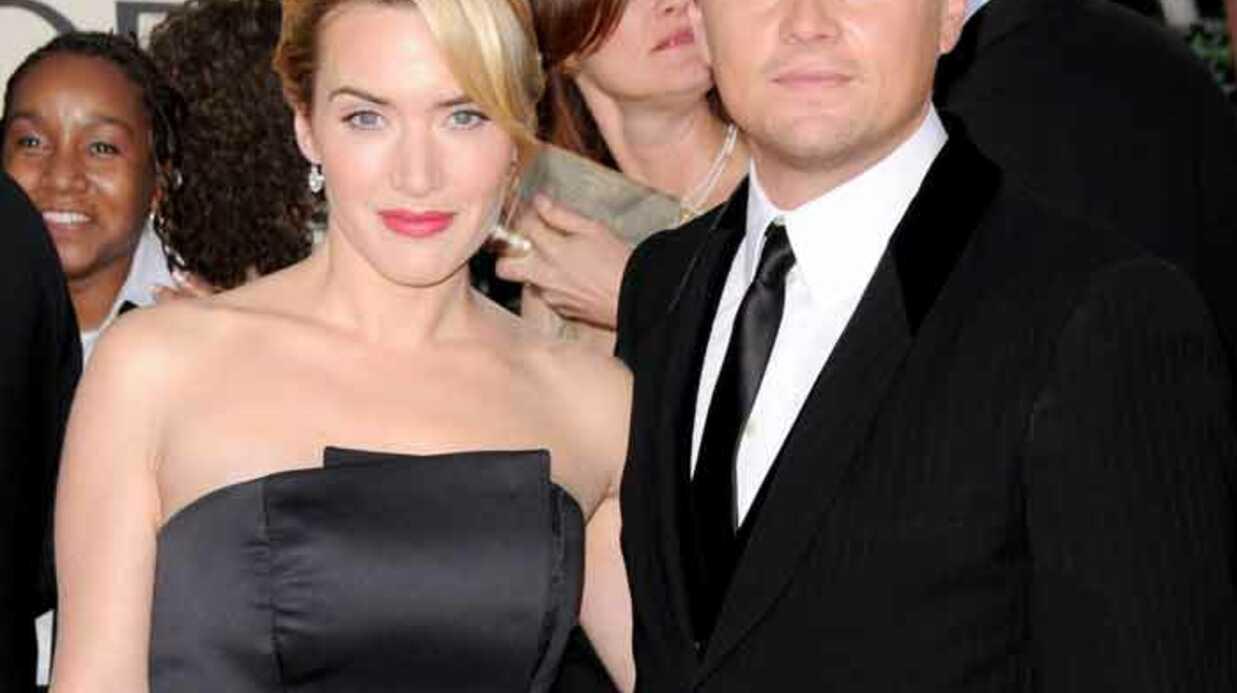 Leo Di Caprio et Kate Winslet aident la dernière rescapée du Titanic