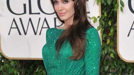 Tatouage: Angelina Jolie confirme le décryptage de Voici.fr