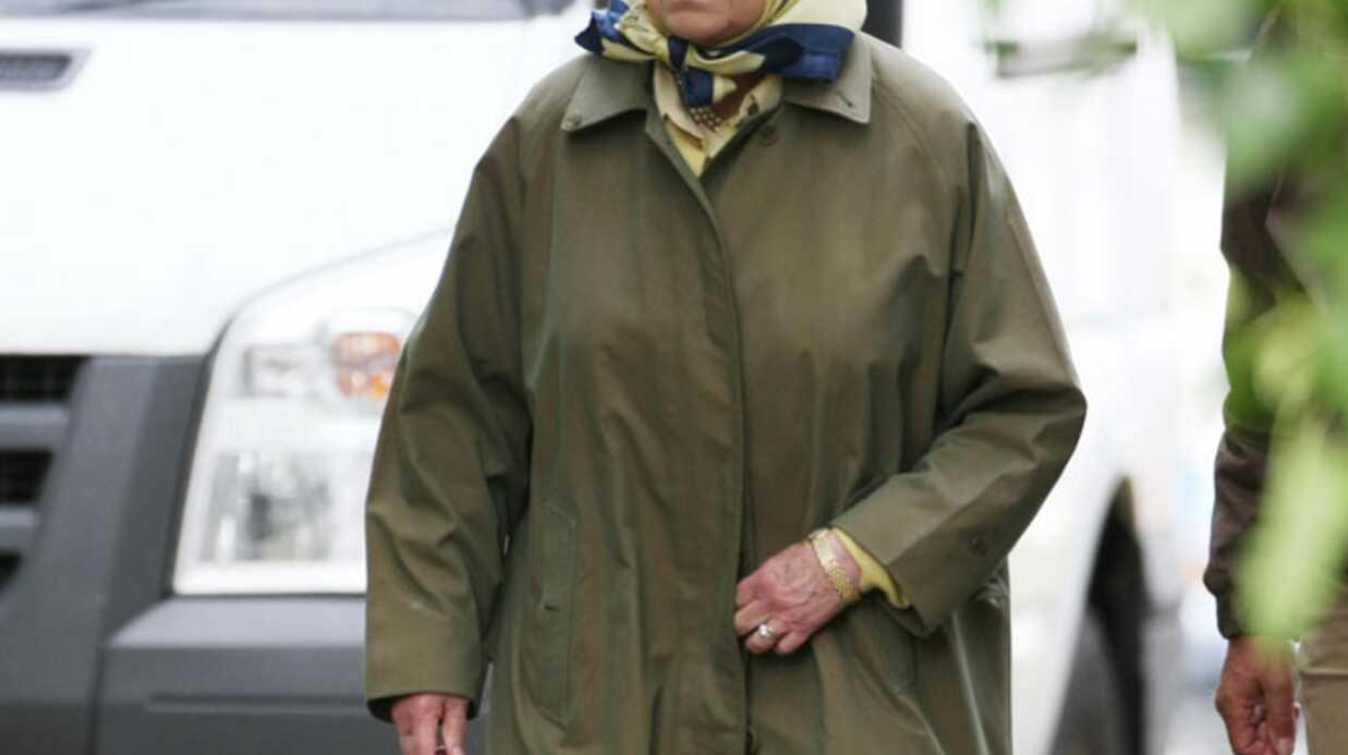 LOOK Elizabeth II reine des prés