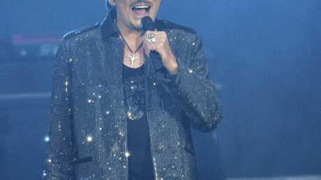 VIDEO Johnny Hallyday: sur scène, donc pas à l'hôpital