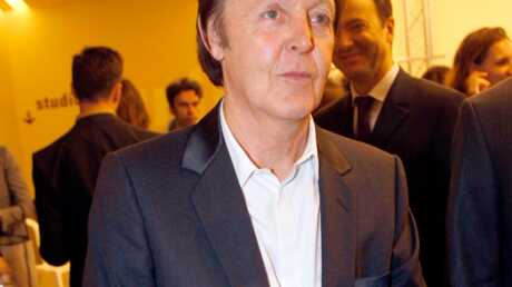 Paul McCartney Pass' le oinj !