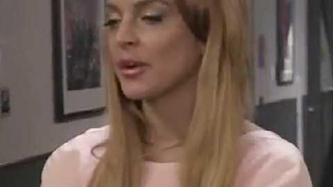 VIDEO Lindsay Lohan se moque d'elle-même aux MTV VMA