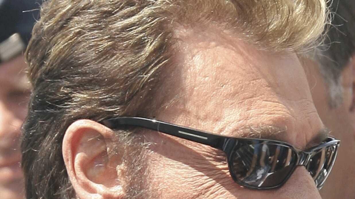 Johnny Hallyday: les médecins font des tests de réveil