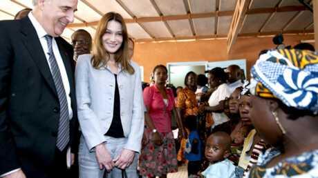 Carla Bruni-Sarkozy: en voyage officiel au Burkina-Faso