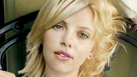 Scarlett Johansson (Courtney) Love story