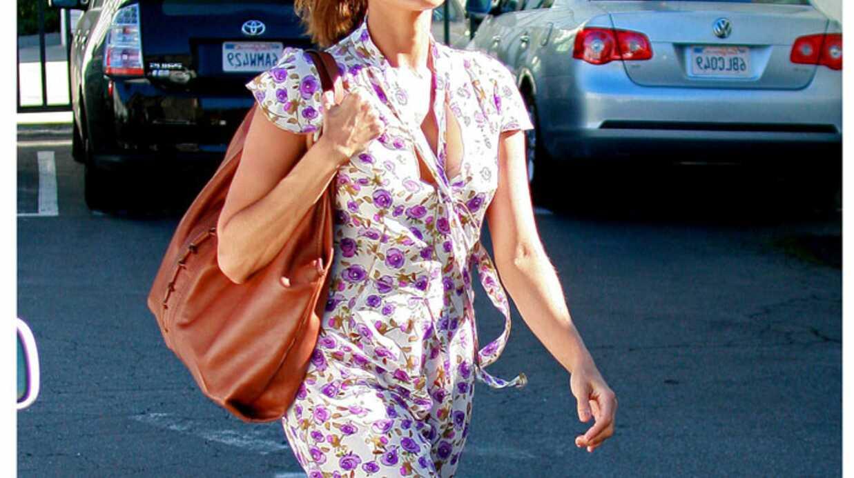 LOOK  Eva Mendes a perdu son sens de la mode