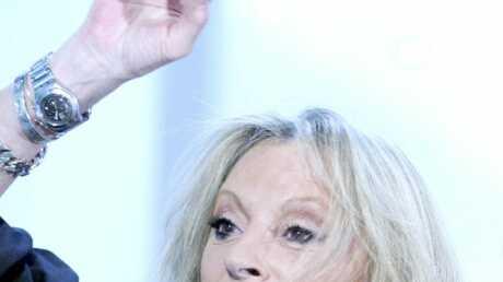 Véronique Sanson traite Johnny Hallyday de «gros con»
