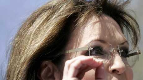 Sarah Palin dément s'être fait poser des implants mammaires