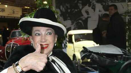 Geneviève de Fontenay sauve son permis de conduire