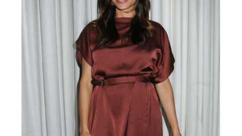 LOOK Rosario Dawson porte une drôle de robe