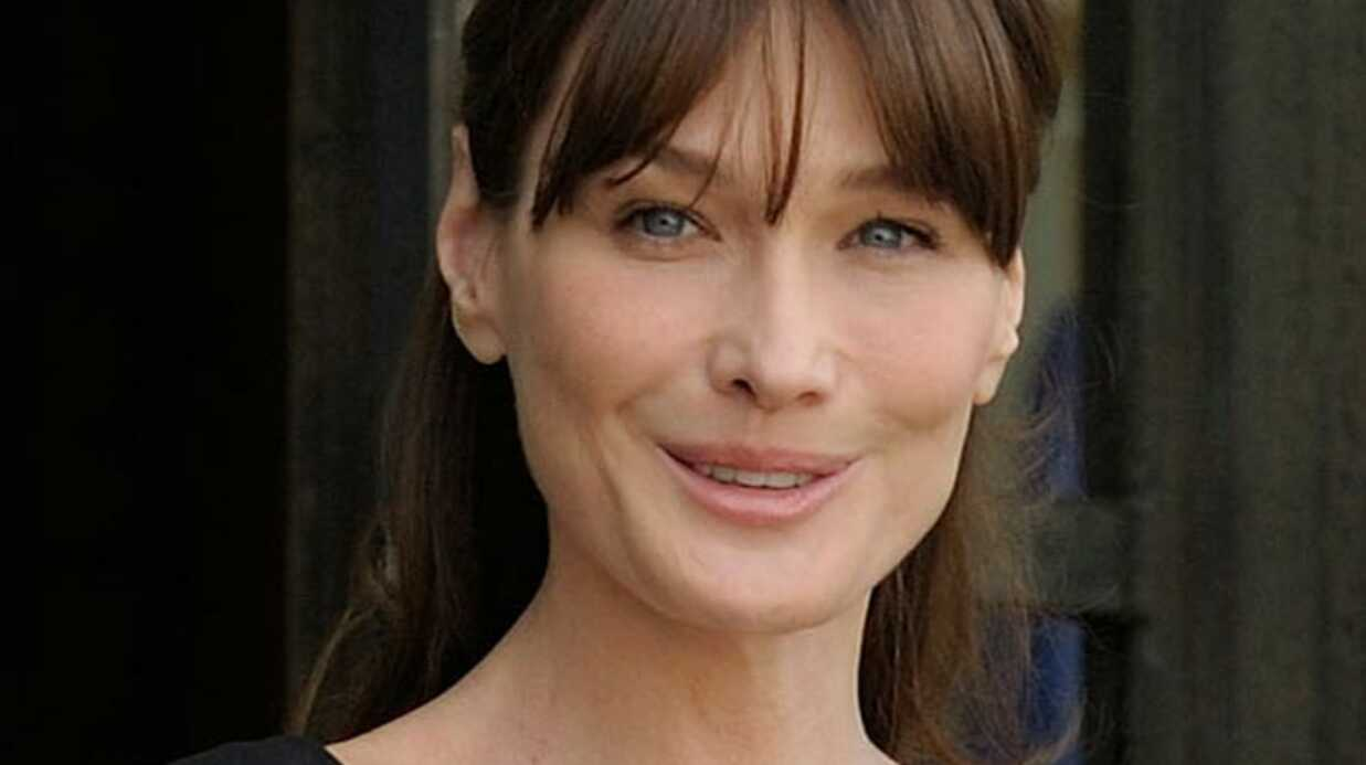 Carla Bruni reprend Douce France en italien