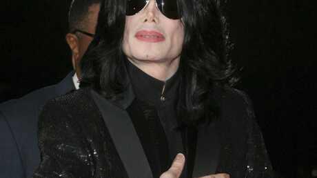 Le chirurgien esthétique de Michael Jackson vient d'être interné en hôpital psychiatrique