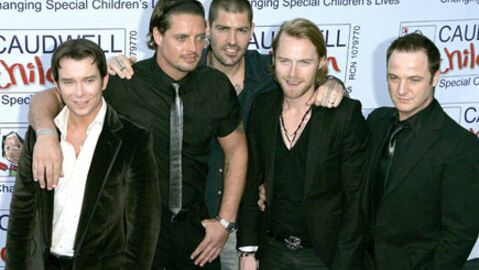 Les membres de Boyzone veilleront Stephen Gately toute la nuit
