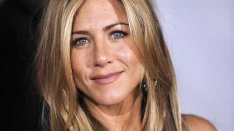 VIDEO Les débuts de chanteuse de Jennifer Aniston