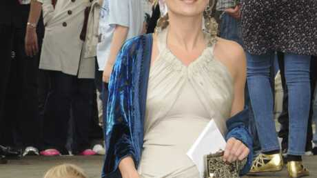 Kate Moss prend son rôle de mère très au sérieux