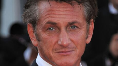 Sean Penn aurait déjà remplacé Scarlett Johansson