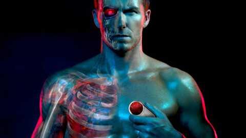 VIDEO David Beckham sexy pour une pub pour Motorola