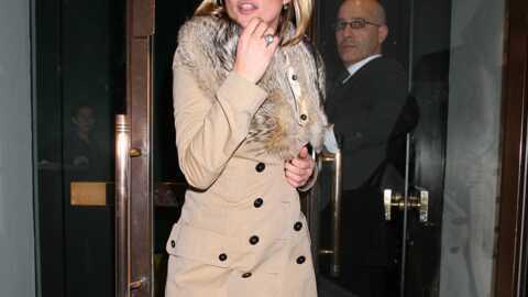 LOOK  Kate Moss toujours à la pointe de la mode