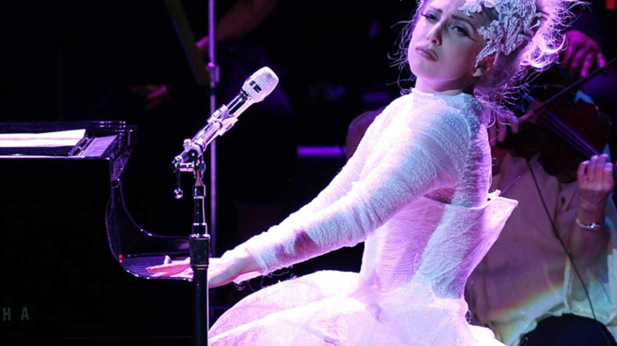 Lady GaGa apprend à parler avec l'accent anglais