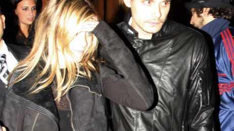Jennifer Aniston enceinte de John Mayer?