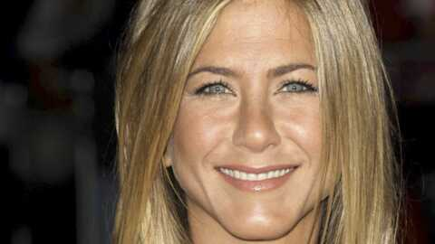 VIDEO Jennifer Aniston chante à la télévision