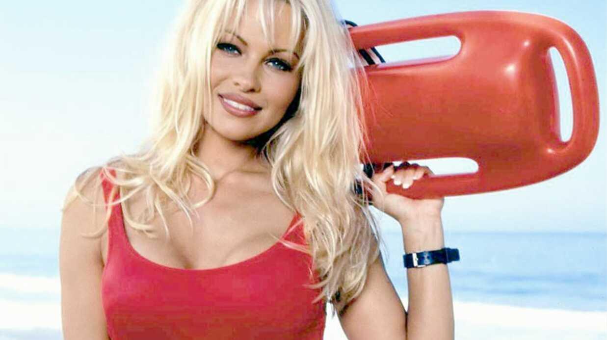 Pamela Anderson: son maillot d'Alerte à Malibu à vendre