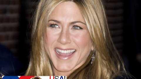 VIDEO Jennifer Aniston offre sa cravate de GQ