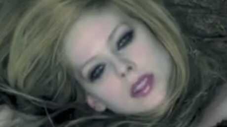 Alice au Pays des Merveilles: le clip d'Avril Lavigne