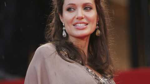 Angelina Jolie reste encore à la clinique