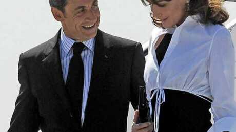 Nicolas Sarkozy fait une visite surprise à Carla Bruni au cours d'une interview à Femme Actuelle