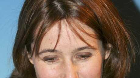 VIDEO Zahia dans Dilemme: Alexia Laroche-Joubert piégée