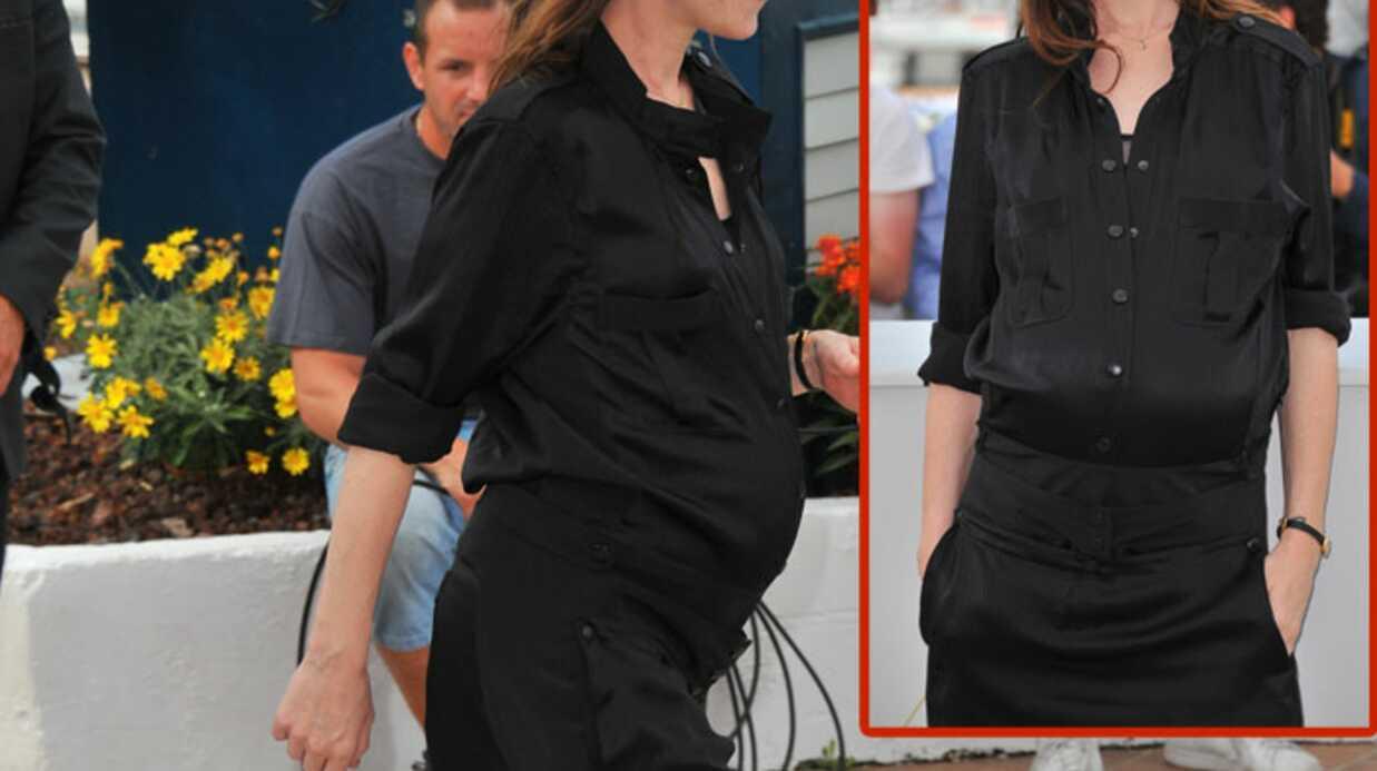 PHOTOS Charlotte Gainsbourg très enceinte à Cannes
