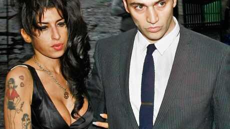 Amy Winehouse et Reg Traviss emménagent ensemble