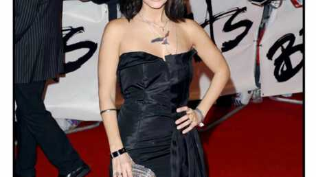 LOOK Natalie Imbruglia sexy aux Brit awards 2009