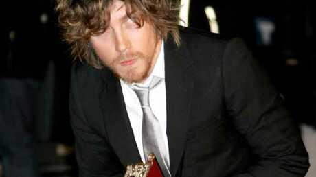 video-nrj-music-awards-julien-dore-imite-britney-spears