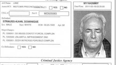 Deux photos choc de DSK dans la presse américaine