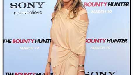 LOOK Jennifer Aniston a cédé à la mode du nude