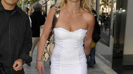 PHOTO Britney Spears se la joue féminine
