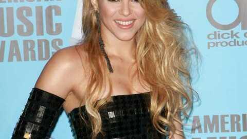 Shakira: son mec la trouve trop sexy dans ses clips