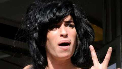 Amy Winehouse: interdite d'amener des chiens dans son hôtel