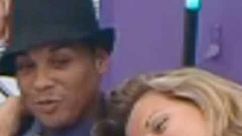 VIDEO  Cindy drague Didier sous le nez d'Elise