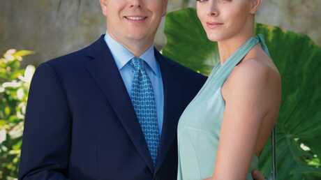 PHOTO officielle des fiançailles d'Albert de Monaco et Charlene