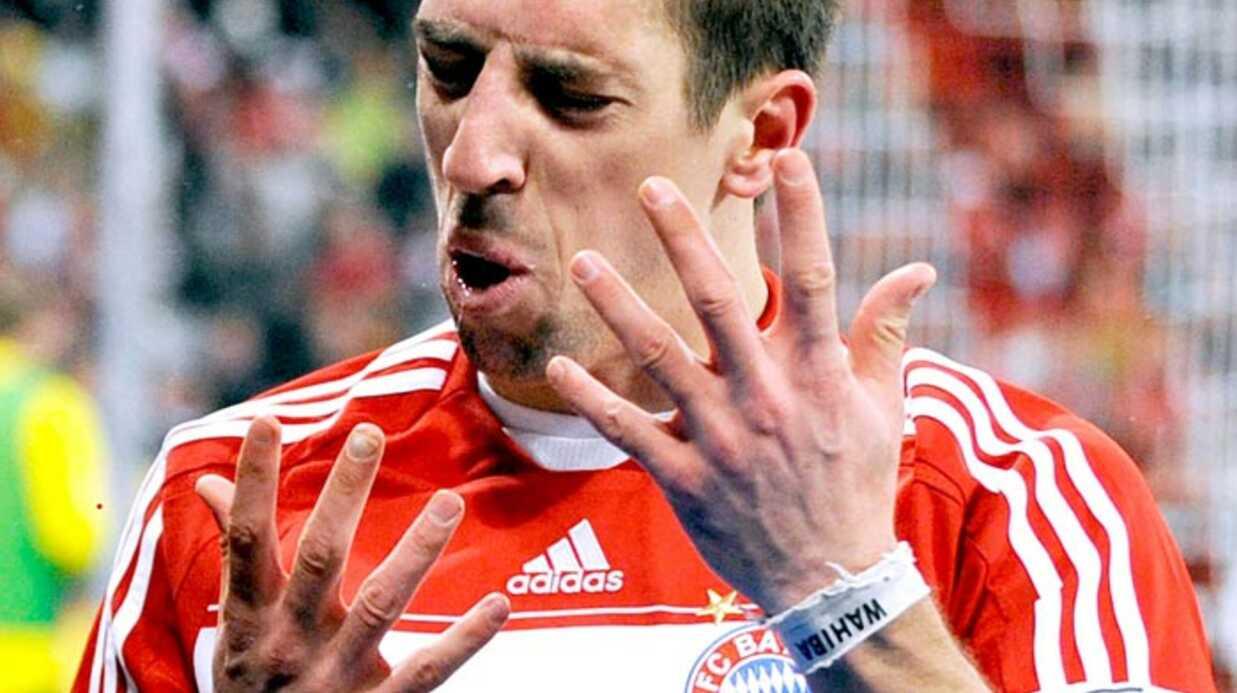 Zahia bientôt face à Ribéry, Benzema et Govou