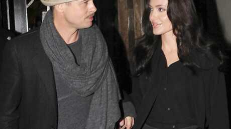 Brad Pitt et Angelina Jolie donnent aux enfants orphelins