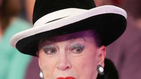 Geneviève de Fontenay: Clash avec le comité Miss Monde