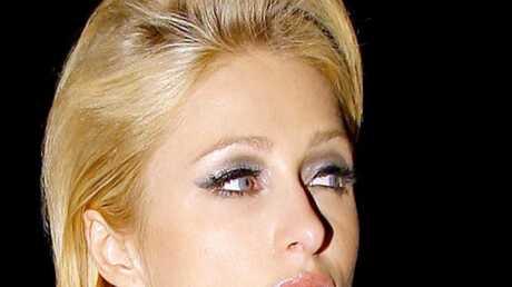 LOOK Paris Hilton tente un nouveau style