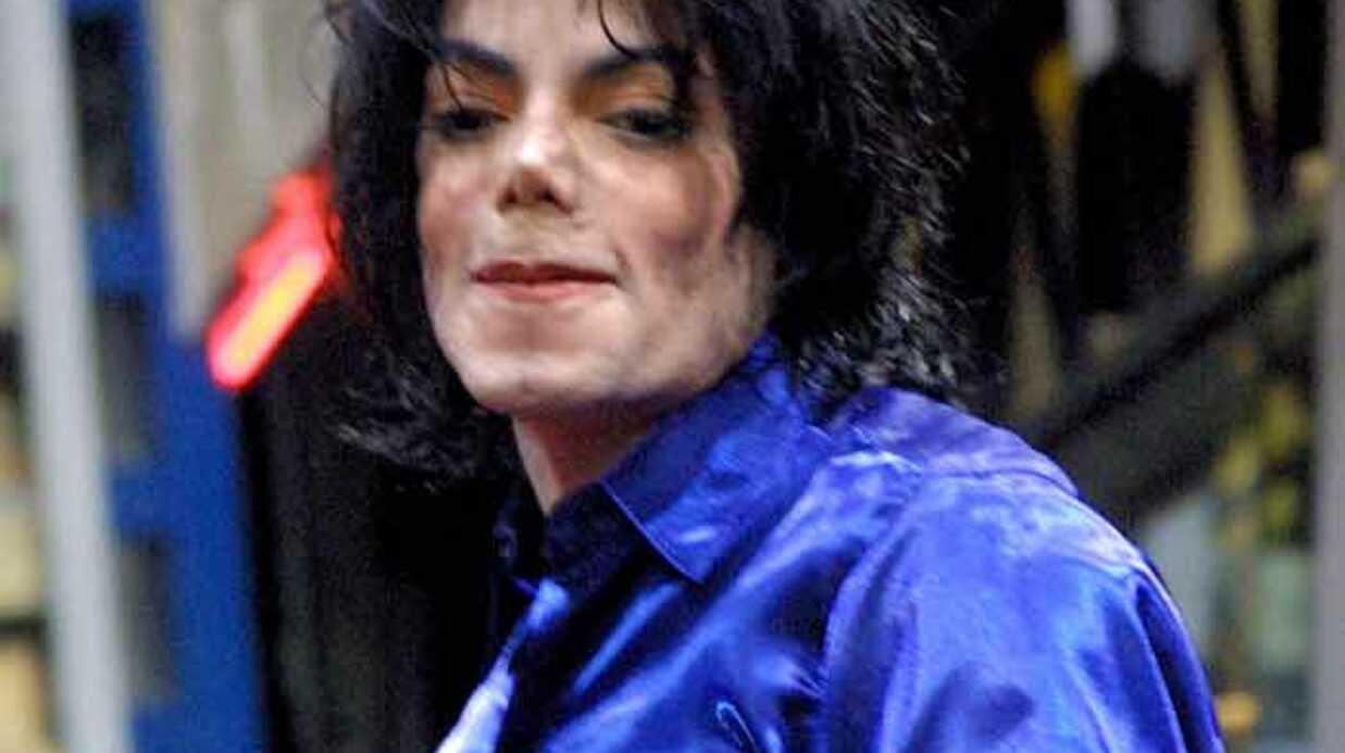 Michael Jackson: nombreuses traces de piqûres sur le corps