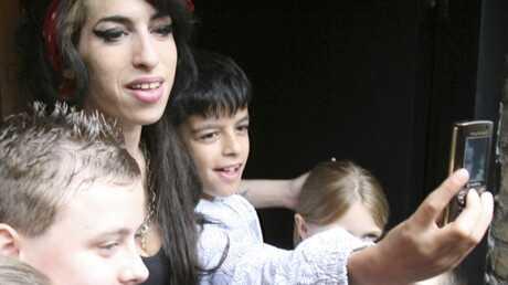 Amy Winehouse Les enfants l'adorent!